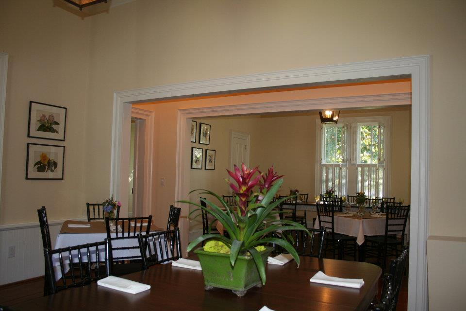 Large Dining Area 1